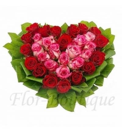 Сердце из роз фото.