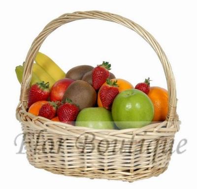 """Подарочная корзина с фруктами от """"Flor-Boutique"""""""