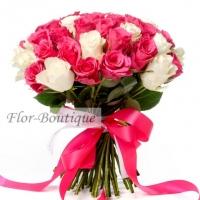 Букет из 35 белых и розовых кенийских роз