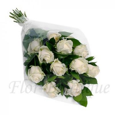 Букет из 11 белых роз 50 см