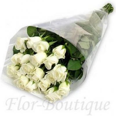 Букет из 15 белых роз (стандарт)